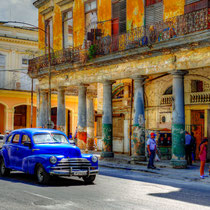 · foto-kunst-kalender 2018 · cuba vehicles · april · yak © 2017 RK