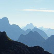 Ausblick Steinschlaghorn, Niesenkette