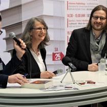 Im offenen Gespräch mit Verlagsmitarbeiter M. Renner und dem freien Lektor M. Blenk