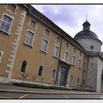 L'Hôtel Dieu mit Apothicairerie (Historische Apotheke)