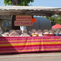 Meringues artisanales sur le marché