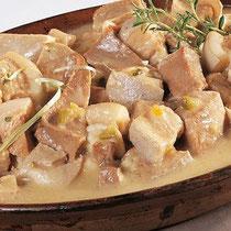 Kalbskopf - Tête de veau - ein Spezialität, die vor allem am Louhaneser Montagsmarkt angeboten wird