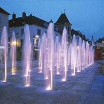 Wasserspiel auf dem Platz de la Liberté