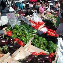 Markt, jeden Donnerstag, Samstag und Sonntag