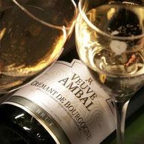 In Beaune können sie den Burgunder Crémant von Veuve Ambal degustieren