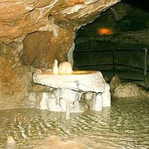 Die Grotten von Azé