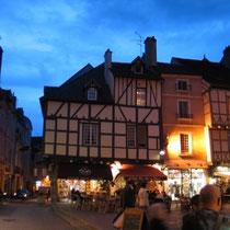 Abenstimmung in der Altstadt von Chalon-sur-Saône