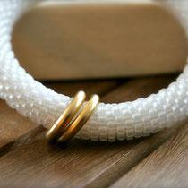 """Bracelet de perles, """"Scarlet"""", anneaux plaqués or. 30 euros"""
