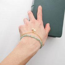 Bracelet perles avec chaîne dorée plaquée or 16k et breloque papillon - Couleur turquoise - 26 euros