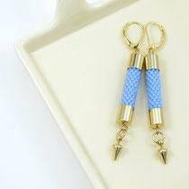 "Boucles d'oreilles ""Elisa"", bleu agate. 27 euros"