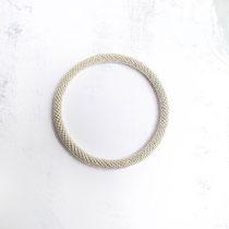 Bracelet de perles argentées. 62 euros