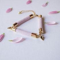 "Bracelet ""Elisa"", rose pâle. 49 euros"