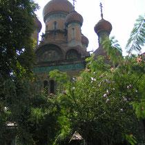 Die Kirchen des Landes sind immer einen Besuch wert und geben einen Einblick in die farbenfrohe Welt der Orthodoxie.