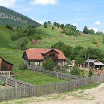 Die Bahnstrecke von Temeswar nach Suceava führt durch den Norden Rumäniens.