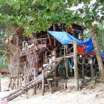Aussteigerhütte am Strand