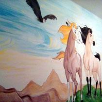 Роспись стены в детской комнате для девочки