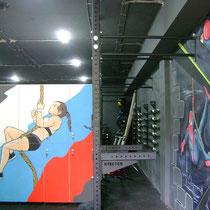 """Роспись мебели (шкафчики в женскую раздевалку) и оформленная стена """"СуперГерои КроссФита""""."""