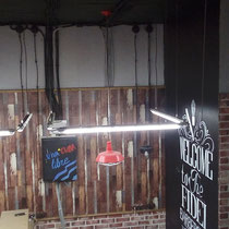 Художественное оформление барбершопа FIDEL, роспись и нанесение логотипа на  стену.