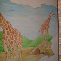 """Коридор. Нанесение декоративной штукатурки """"Кирпич"""", роспись стены """"Жираф"""" и обновление потолка."""