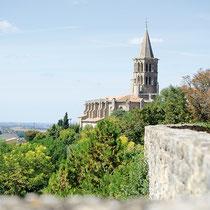 Promenez vous au cœur de Saint Félix  Lauragais célèbre pour sa fête de la Cocagne et découvrez son patrimoine architectural : la collégiale et ses orgues, la halle du XVe siècle, le château, les remparts… et la maison natale de Déodat de Severac