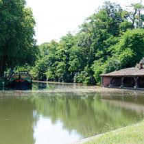 Du côté de Montgiscard, prenez le temps de flâner au bord de l'eau où vous découvrirez un très beau lavoir. Le village a un passé historique prestigieux avec Notre Dame de Roqueville et son pélerinage, le château du même nom du XIIIème siècle…
