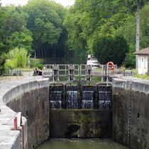 L'écluse de Castanet, première écluse à bassin elliptique, un des ouvrages du Canal du Midi.
