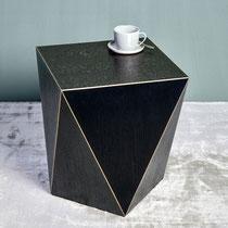 Facet Beisteller,MDF/Furnier, Intarsien in Messing poliert Farbe:schwarz mit gold Maße:H 45 cm 45x45 cm, CHF 555.30