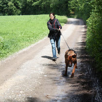 Chantal mit Dayo unterwegs