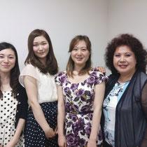 公開講座終了後:林康子先生と受講した学生たち。