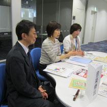 松井孝夫先生と高松晃子先生(いずれも音楽教員養成コース&音楽指導コース)、古平孝子先生(音楽療法コース)