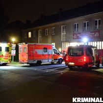 Zwei Rettungswagen eilten den Kameraden zur Hilfe.|Foto: Kevin Wuske