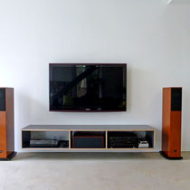 TV Möbel aus Multiplex, grau beschichtet