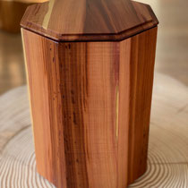 Urne aus Zwetschgenholz, geölt, passend für AK