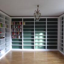 Bibliothek aus Fichte, weiss lackiert
