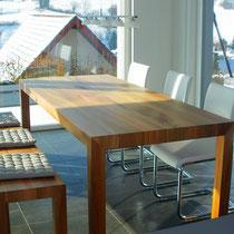 Tisch und Bank aus Rüster