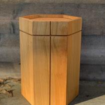 Schöne Urne aus Kirschbaum, sechseckig, geölt, passend für AK