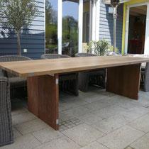 Gartentisch aus Tropenholz