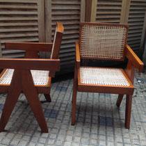 FAUTEUIL LE CORBUSIER SHANDIGAR - Restauration du bois : poncage nettoyage et mise en teinte et couleur, recollage des assemblages