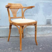 CHAISE THONET - Décapage du bois et mise en couleur - réfection de l'assise avec une mousse - Tissu RUBINI