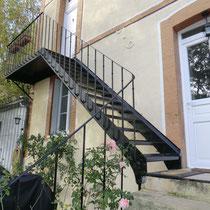 rénovation escalier extérieur , remplacement des marches et enlevement des contre marches