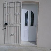 grille de protection de porte ouverte