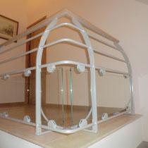 garde corps mélange plusieurs matériaux acier , verre et bois photo 1