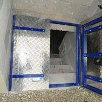 trappe de cave semi ouverte