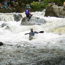 La balade le long du Chalaux : on monte jusqu'à Courtibar et Perte des Veaux, et les jours de descentes de canoë-kayak et de rafting.