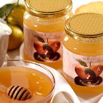 Dal lavoro certosino delle api che vivono nei nostri agrumeti il delicato profumo del miele al Tardivo di Ciaculli
