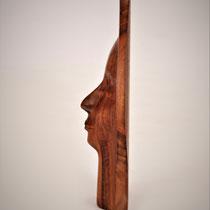 Sylvia Gnatz; Face 490.-€  in Nußbaum massiv 30 x 30 cm; Internetseite www.gnatz.de;  Mail gnatz@gnatz.de