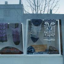 Amely, Strickwaren mit kunstvollen Mustern, Socken (Größe ca. 38-40) 39€, Mützen 30€