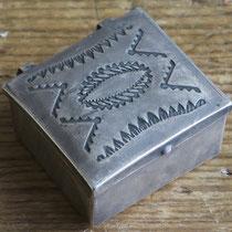"""Navajo Pill Box c.1930-60 1x1x.5"""" $150"""