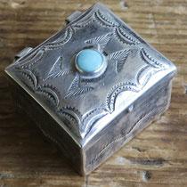 """4747 Navajo Pill Box c.1940 .875x1.125"""" $185"""