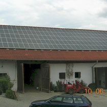 alkaSOL / EST project: Solon solar modiles on a barn, near Schöllnach, Bayern